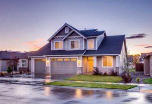 Isolierung von Haus, Dach und Dachboden